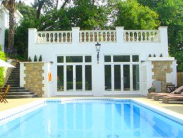 luxury-swimming-pool-torquay